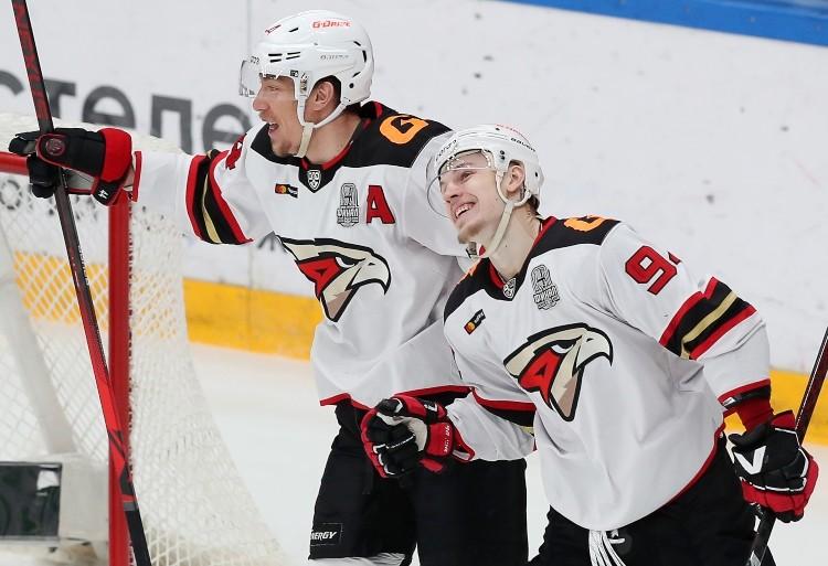 Kirils Semjonovs (pa labi), likmetv