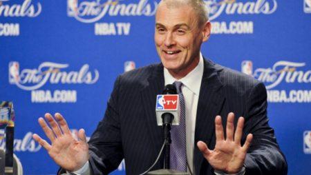 """""""Mavericks"""" negaidīti paliek bez galvenā trenera"""
