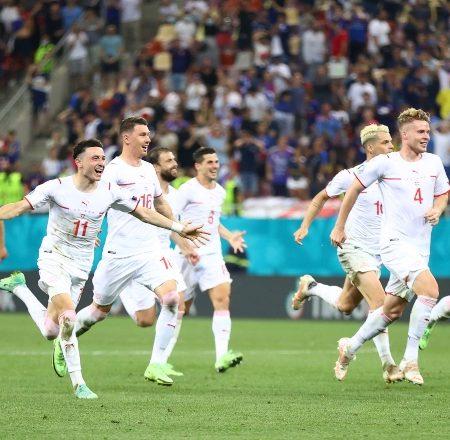 Šveice paveic brīnumu un pārspēj aktuālos pasaules čempionus